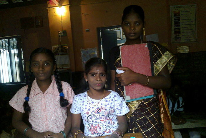 Entwicklungshilfe: Wie die richtige Incentivierung von Lehrern die Bildung von Kindern verbessert