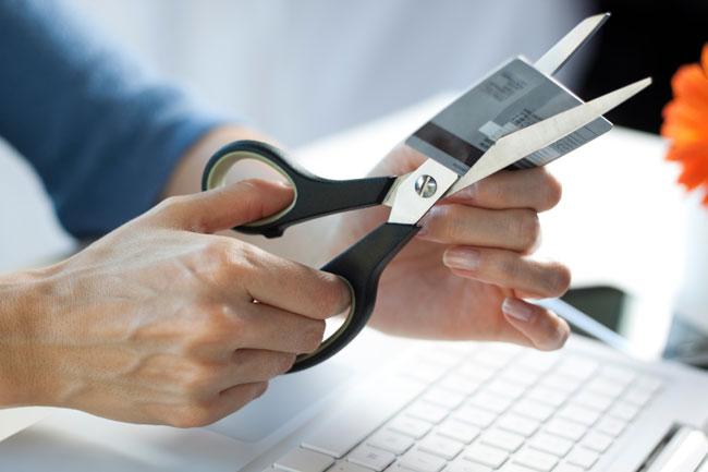 Zwischen Selbstkontrolle und Schuldenfalle – die Psychologie der Kreditkarte