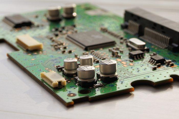 Vertrauensgut Computer-Reparatur: Versicherte zahlen mehr