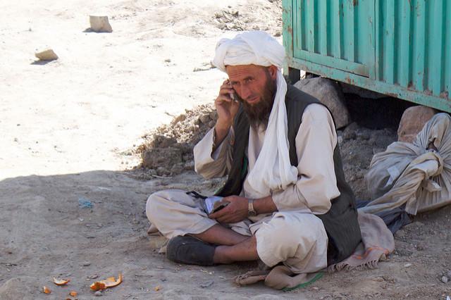 Feldexperiment in Afghanistan zeigt, wie man Menschen zu einem nachhaltigen Sparverhalten anregt