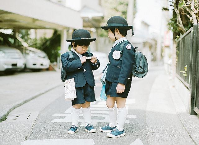 Neues Paper: Wie unterschiedlich sich frühkindliche Erziehung auf soziale Präferenzen auswirken kann