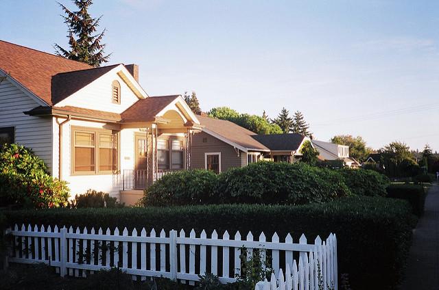 Was das Einkommem der Nachbarn mit dem persönlichen Glücksgefühl zu tun hat