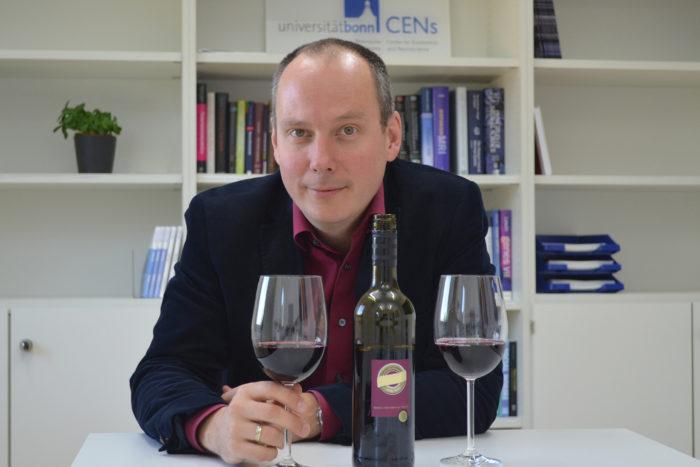 Warum uns teurer Wein besser schmeckt – und warum das nichts mit Qualität zu tun hat