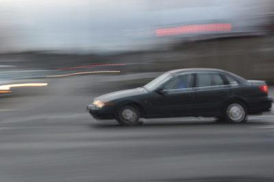 Studie: Verkehrssünder neigen auch abseits der Strasse eher zur Verletzung von Normen
