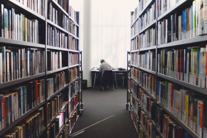 Grossbritannien: Bessere Erfolge in der Erwachsenenbildung durch verhaltensökonomische Interventionen