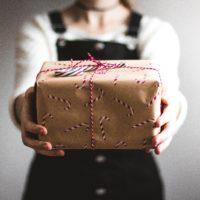 Warum wir einem geschenkten Gaul nicht ins Maul schauen: Der Zusammenhang von Fremdinvestments und der Sunk Cost Fallacy