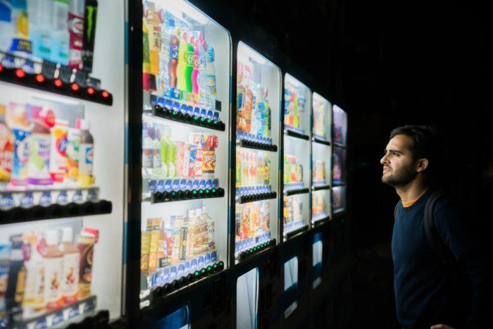 Die Qual der Wahl: Experiment untersucht, wie zu viele Optionen bei Entscheidungen im Gehirn wirken