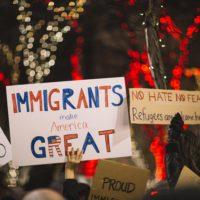 Ängste vor Zuwanderung: Die Rolle der wahrgenommenen Loyalität zur Identität der Mehrheit