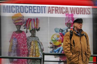 Zwischen Versprechen und Wirklichkeit: Wie Mikrokredite wirken
