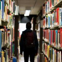 Warum Schüler ihre Leistungen der Gruppe unterordnen – und wie ein Gewinnspiel für bessere Noten sorgen kann