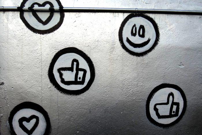 Social Media: Wie Mund-zu-Mund-Propaganda zum Erfolg führt – oder einen Produkt-Launch stören kann