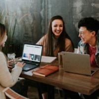 Glück am Arbeitsplatz: Gutes Wetter steigt die Motivation