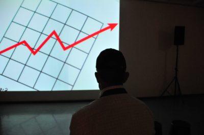 Harvard-Podcast: Warum sich mehr Experimentierfreude für Unternehmen auszahlt